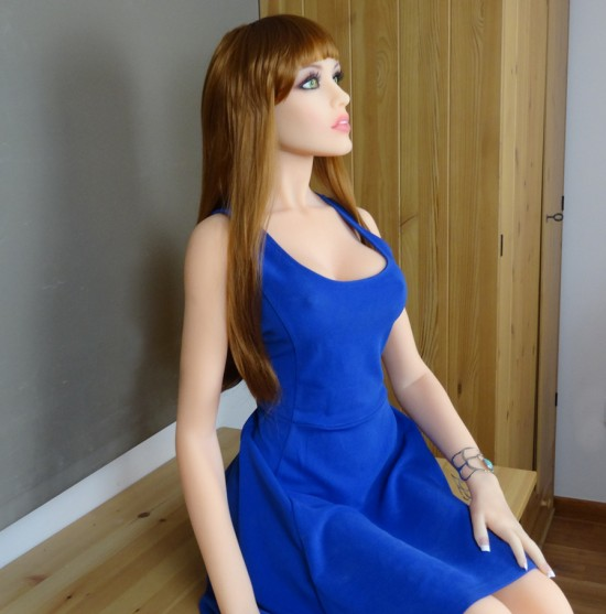Simone Fashion AI Model - Synthea Amatus Sex Robot