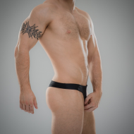 SUKREW U Thong in Nightlife Black