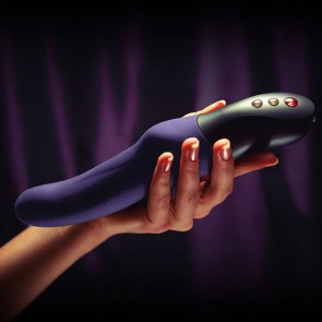 Stronic Eins - Powerfully Pulsating Instead of Vibrating